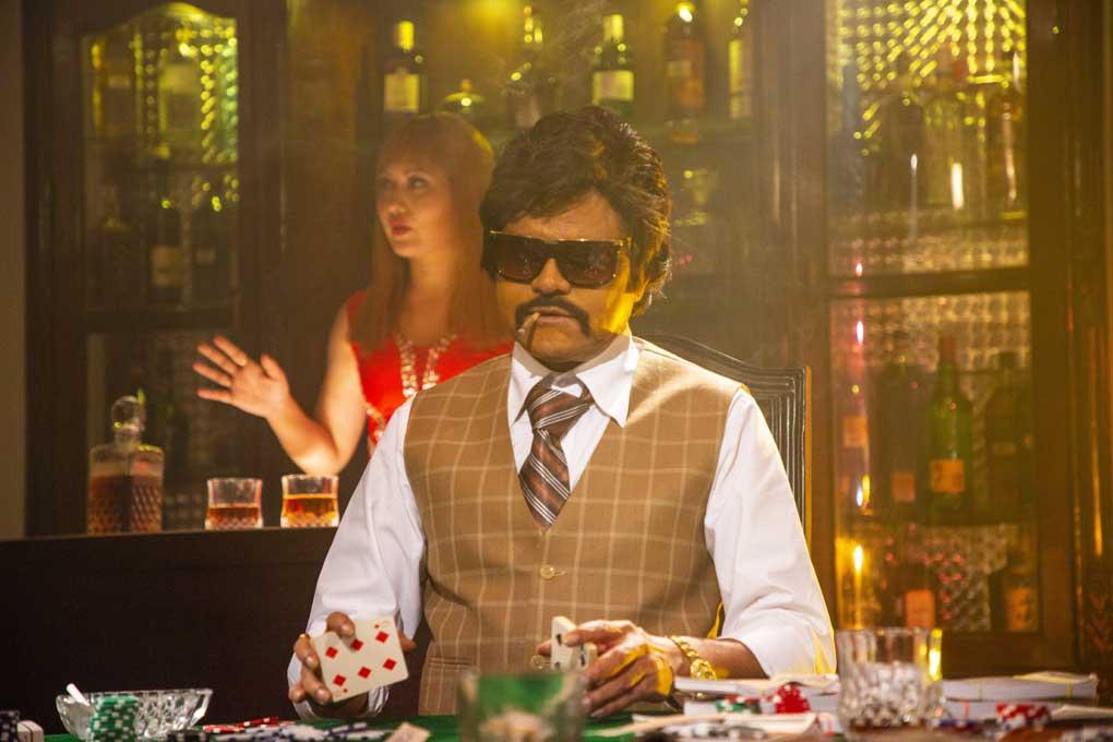 कभी मिला था किंग खान के साथ छोटा सा रोल, आज शाह रुख खान की फिल्म के हीरो हैं संजय मिश्रा