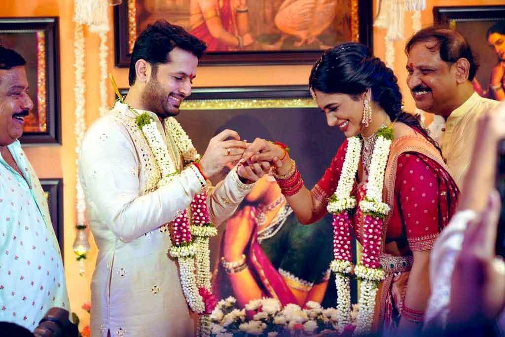 अभिनेता नितिन ने प्रेमिका शालिनी कंडूकुरी से की सगाई, अब 26 जुलाई को शादी